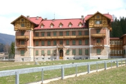 37-Grand Hotel